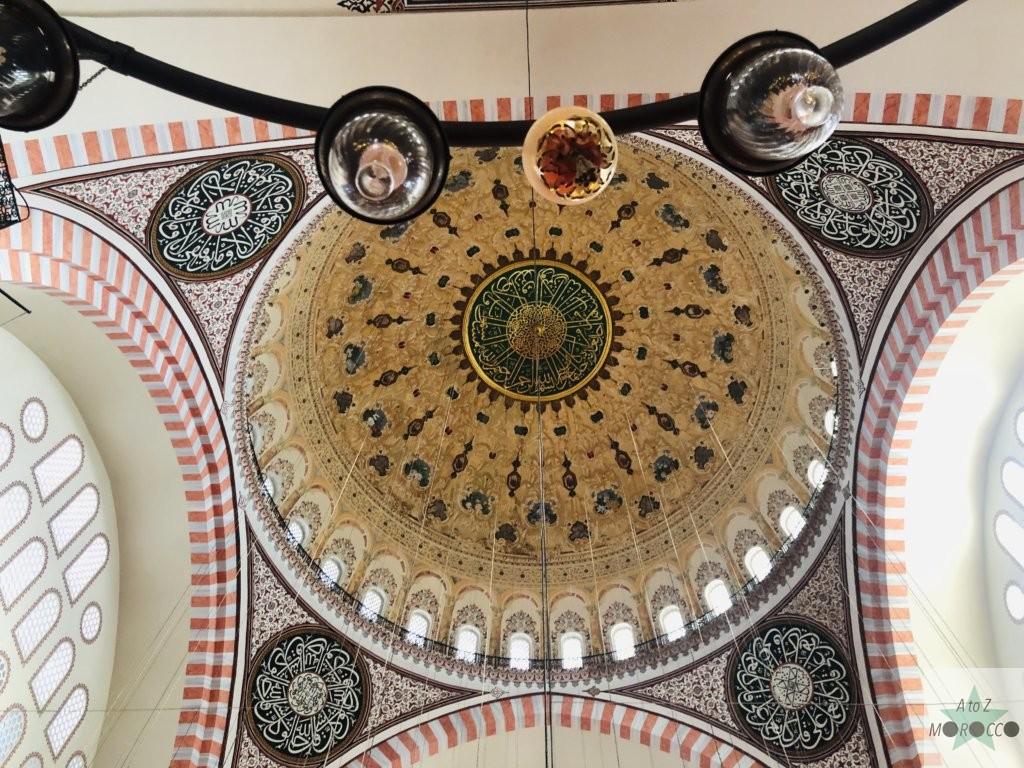 モスクのドームの天井