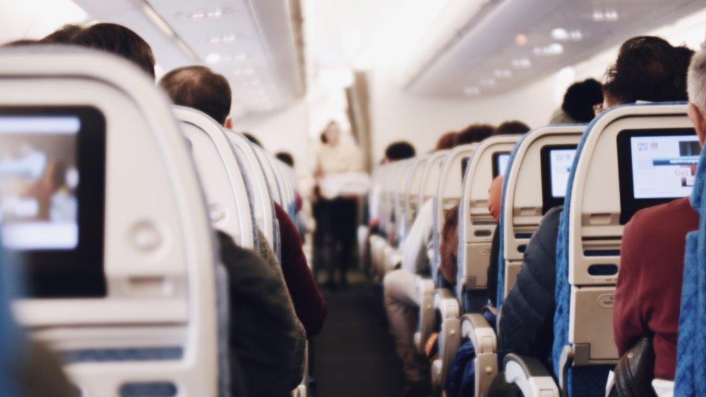 飛行機の機内の様子