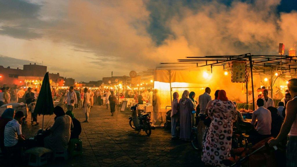 ジャマエルフナ市場の屋台